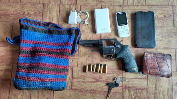 Polisi menindak pelaku pengeroyokan personel Polres Lanny Jaya di Kabupaten Jayawijaya (dok Polda Papua)