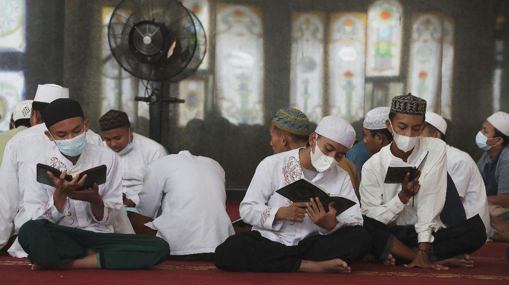 Malam 29 Ramadhan, Ini 7 Amalan Untuk Sambut Lailatul Qadar