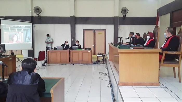 Sidang vonis Johan Anuar di PN Tipikor Palembang (Syahbana-detikcom)