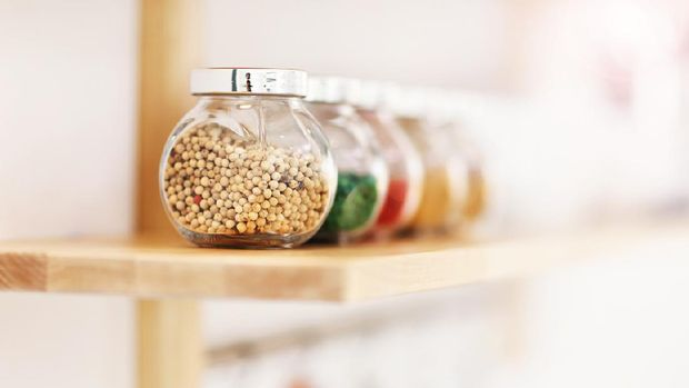 Picture showing jars with spices in the kitchen