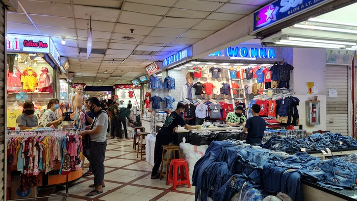 Suasana Pasar Tanah Abang, Selasa (4/5/2021) pukul 09.20 WIB
