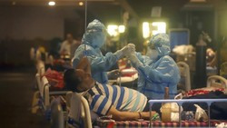 Merinding, Dokter India Harus Putuskan Pasien Corona Mana yang Diselamatkan