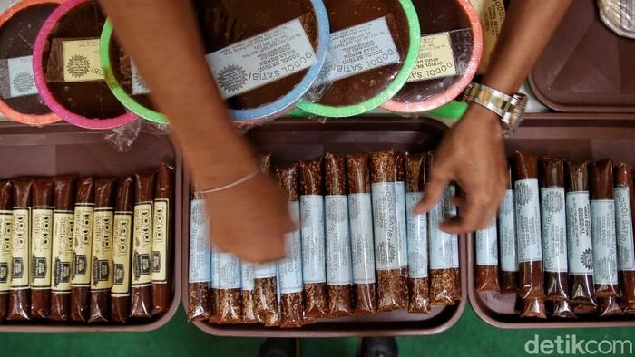 Festival kuliner dan kerjinan Ramadhan digelar di Mal Artha Gading, Jakarta. Selain kulineran Anda juga bisa lho berburu kerajinan.