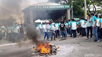 Bakar Ban, Buruh di Boyolali Demo Tolak THR Dicicil