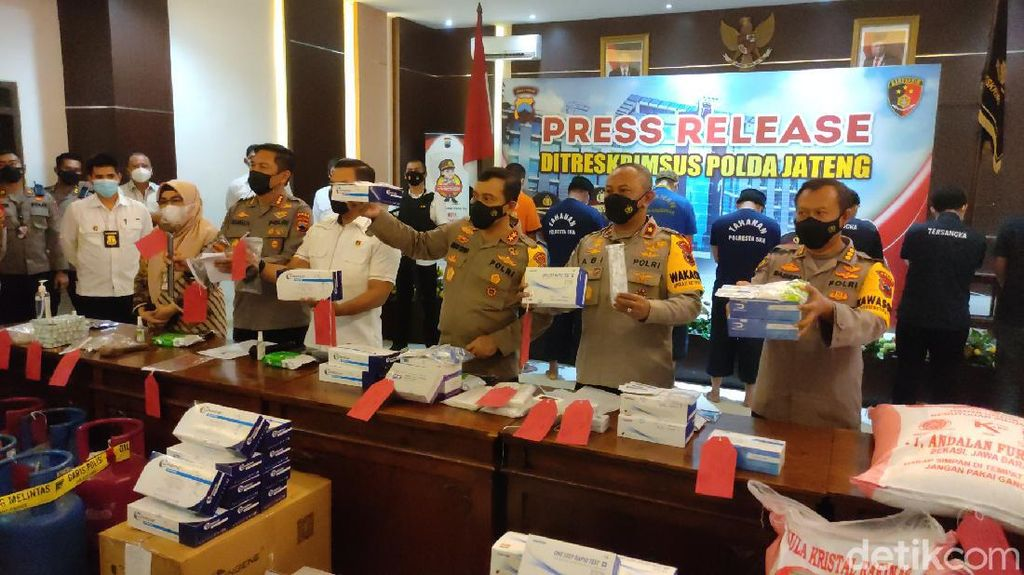 Alat Rapid Test Ilegal Terbongkar di Jateng, Ganjar: Hukum Berat Pelakunya!