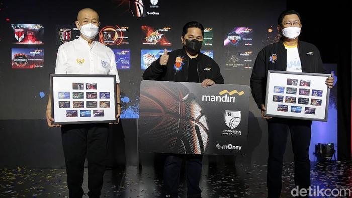 Bank Mandiri diketahui meluncurkan e-Money edisi IBL. Sebagai bentuk dukungan untuk basket Indonesia, Bank Mandiri pun salurkan bantuan finansial untuk PERBASI.