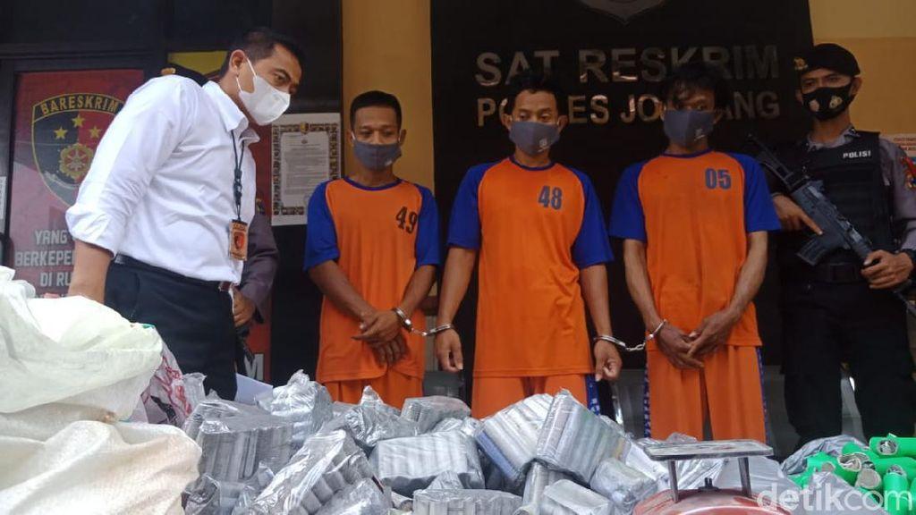 Bubuk Petasan Ada yang Dijual via Online, Penjualnya di Jombang Diringkus