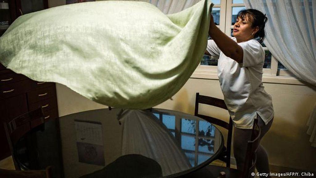 Hong Kong Tunda Rencana Wajibkan Vaksin COVID-19 bagi Pekerja Migran