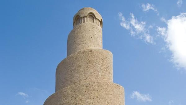 Menara berfungsi untuk mengumandangkan adzan dan sebagai penanda bahwa ada pemukiman islam. (iStock)