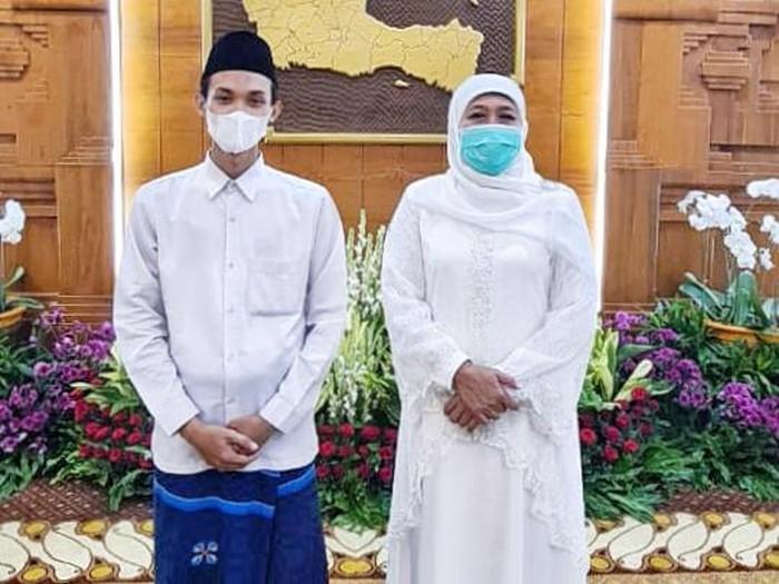 Gubernur Khofifah bersama Rahmat Alfian Hidayat