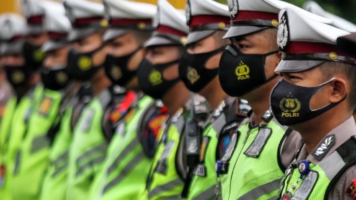 Polisi akan melakukan operasi Ketupat 2021 untuk mendukungan larangan mudik. Begini kesiapan polisi di berbagai daerah untuk mencegah pemudik.