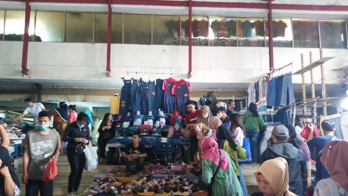 Kondisi Pasar Tanah Abang, Rabu (5/5/2021) pukul 10.30 WIB