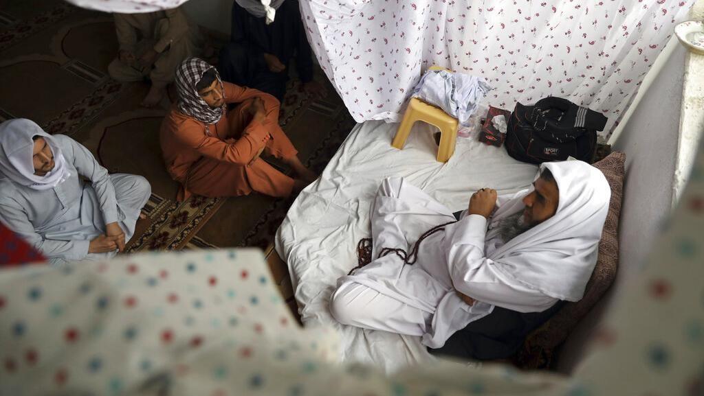 Mengintip Itikaf Warga Afghanistan