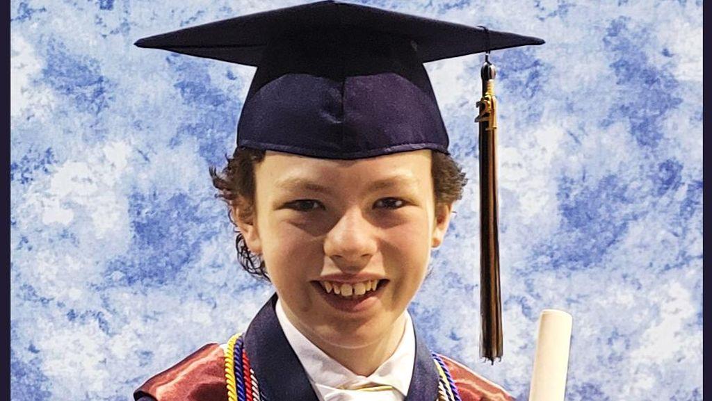 Anak 12 Tahun Ini Lulus SMA dan Kuliah Bersamaan, Tawaran Kerja Sudah Antre