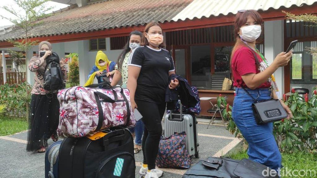 80 Pekerja Migran Langsung Dikarantina Begitu Tiba di Banyuwangi