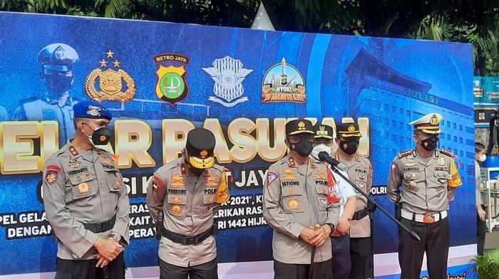 Polri gelar apel pasukan pengaman Operasi Ketupat 2021 di Polda Metro Jaya, Rabu (5/5/2021)