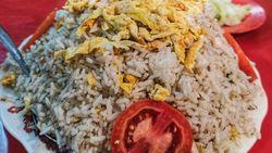 Nasi Goreng Porsi Tukang Gali dan Menu Buka Puasa di Masjid Nabawi