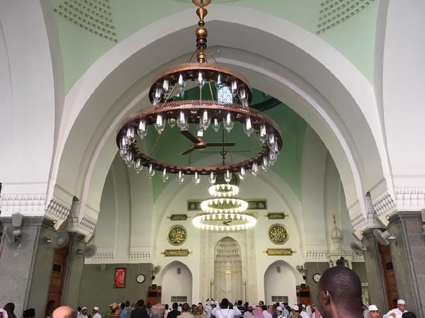 Kini, luas masjid Quba mencaopai 5.860 meter persegi dengan daya tampung 20.000 jemaah. (iStock)