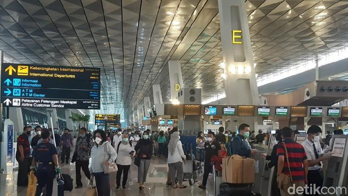 Ramainya Terminal 3 Bandara Soetta Jelang Larangan Mudik