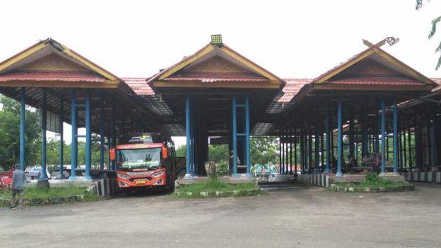 Suasana di Terminal Pekanbaru, Rabu (5/5/2021)