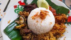 Sumber Asli: Sedep Miroso Nasi Krawu dan Bakmi Godog Mlekoh