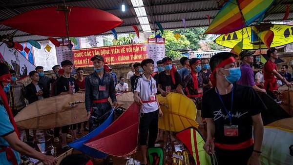 Desa Ba Duong Noi di pinggiran Hanoi sudah dikenal karena kerajinan dan hobi membuat layang-layang.