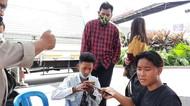 Dicegat Polisi! 4 Pemotor Tak Berhelm Tanpa Surat Hendak Masuk Tol Bekasi