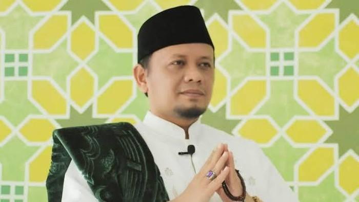Dr. M. Hasan Chabibie