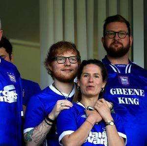 Penyanyi Ed Sheeran Sponsori Klub Inggris Ini Musim Depan