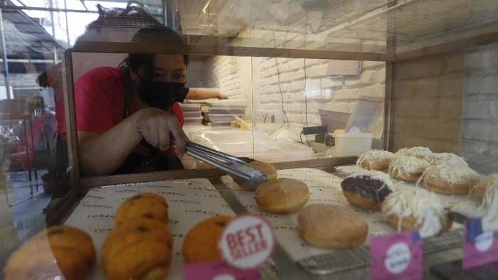 Bosan dengan hampers lebaran isi kue kering? Beberapa paket makanan kekinian pun kini bisa menjadi pilihan.