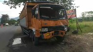 Pikap Tabrak Motor dan Truk di Pasuruan, 3 Orang Satu Keluarga Tewas