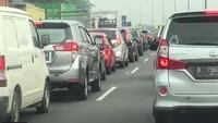 Pagi ini, Kendaraan Dari Jakarta Menuju GT Cikupa Tersendat 3 KM