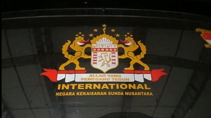 Lambang-lambang Kekaisaran Sunda Nusantara.