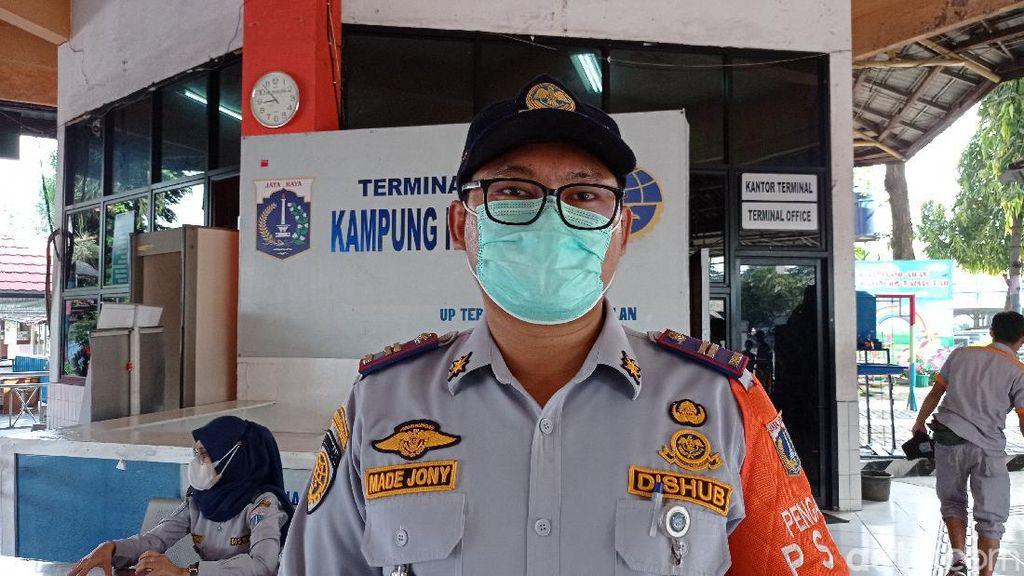 Mudik Dilarang, Petugas Cegah Travel Gelap Masuk Terminal Kp Rambutan