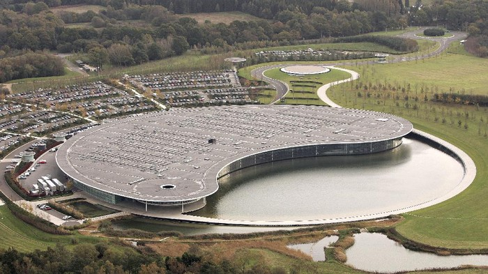 WOKING - NOVEMBER 10:  A view of the McLaren factory on November 10, 2006 near Woking, England  (Photo by Peter Macdiarmid/Getty Images)