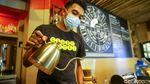 Menjajal Kopi Lokal di Seniman Coffee