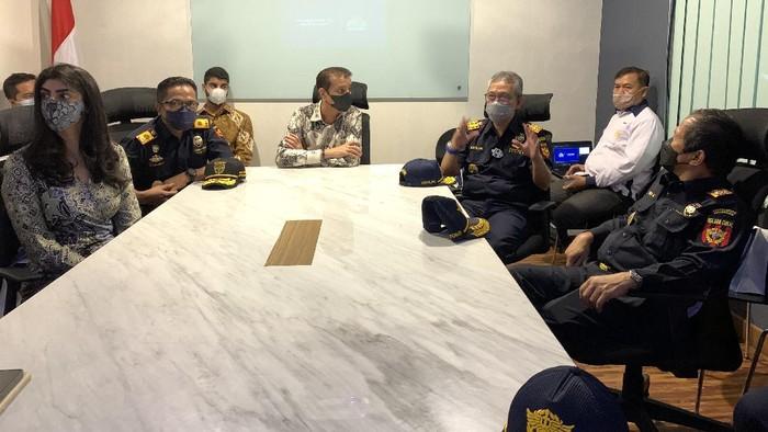 Dirjen Bea Cukai Jakarta & Marunda melakukan kunjungan ke PT Orson Indonesia pada tanggal beberapa waktu lalu.