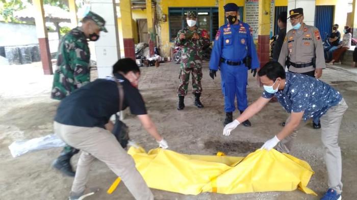 Penemuan mayat di perairan Pati, Kamis (6/5/2021).