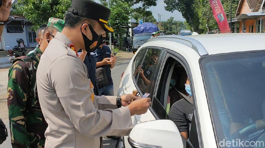 500 Kendaraan Diputar Balik di Pos Penyekatan Kediri-Malang
