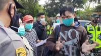 Protes Penyekatan di GT Cikampek, Buruh: Masa Mau Jalan Kaki!