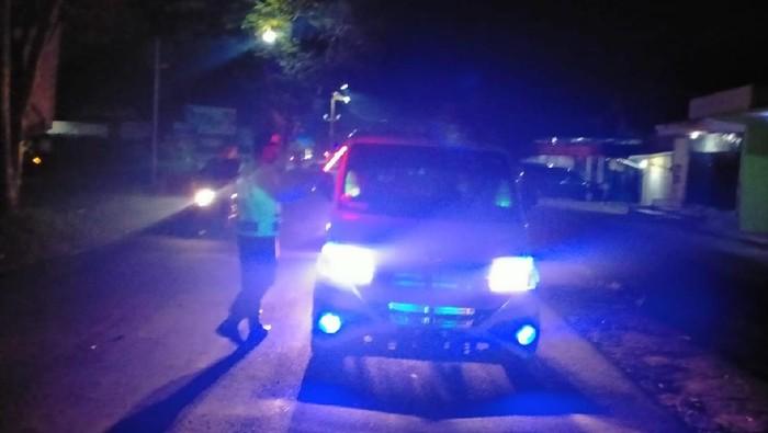 Penyekatan mulai dilakukan Polres Blitar sejak semalam. Sebanyak 87 kendaraan pemudik terpaksa diputar balik karena tidak memenuhi ketentuan.