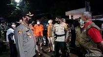 Disekat Polisi di Kuningan, Kendaraan Pemudik Ditempeli Stiker