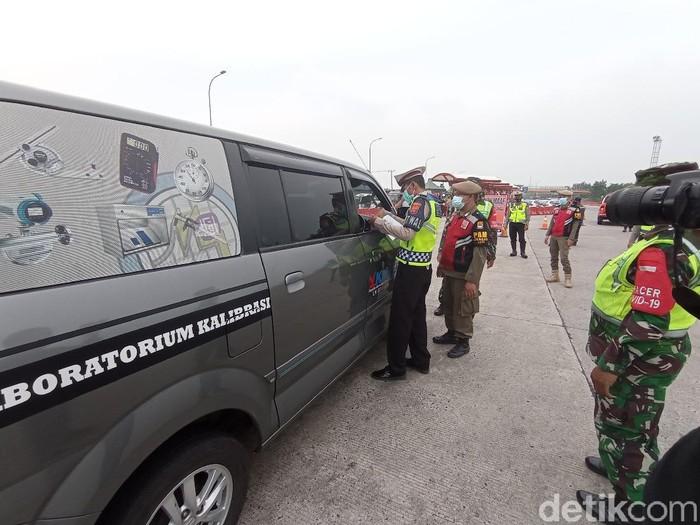 Polisi di Cirebon sudah putar balik ratusan kendaraan