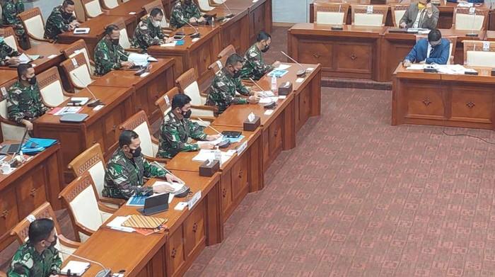 Rapat Komis I DPR bersama Panglima TNI Marsekal Hadi Tjhajanto