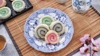 Resep Pembaca : Mochi Gulung Pelangi yang Manis Mulur Cocok Buat Takjil
