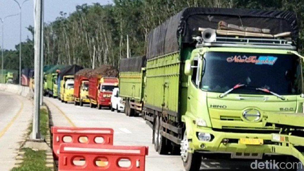 Kendaraan Pribadi Arah Jawa Diputar Balik di Pintu Tol Mesuji Lampung