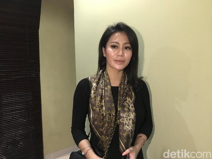 Vicky Zainal lapor ke Komnas Perempuan