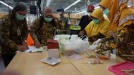 Makanan Tanpa Tanggal Kedaluwarsa Ditemukan di Swalayan Kota Mojokerto
