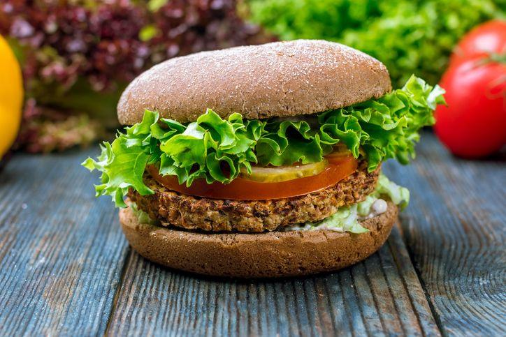 Benarkah Burger Nabati Lebih Sehat Dibanding Burger Daging? Ini Kata Ahli