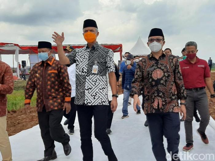 Gubernur Jawa Tengah Ganjar Pranowo di Banyumas, Jumat (7/5/2021).